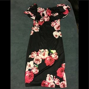 Dresses & Skirts - Off the shoulder floral dress